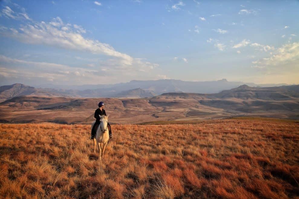horseback-riding-drakensberg