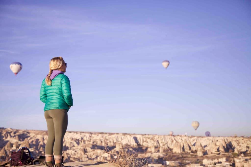 turkey-waking-up-an-sunrise-to-watch-the-balloons