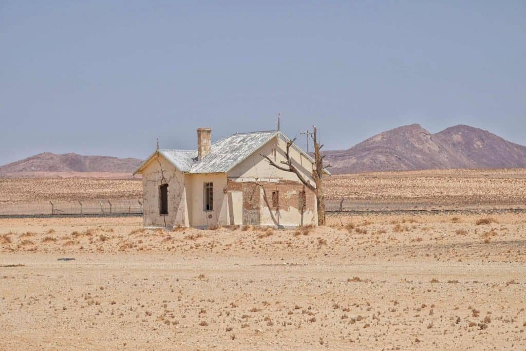 abandoned-houses namibia photography