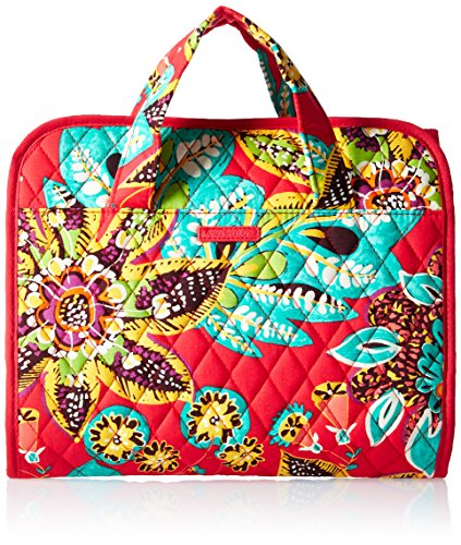 Vera Bradley Has Been Making Great Looking Bags For A Long Time Now Their Hanging Toiletry Organizer Is No Diffe What We Love About S