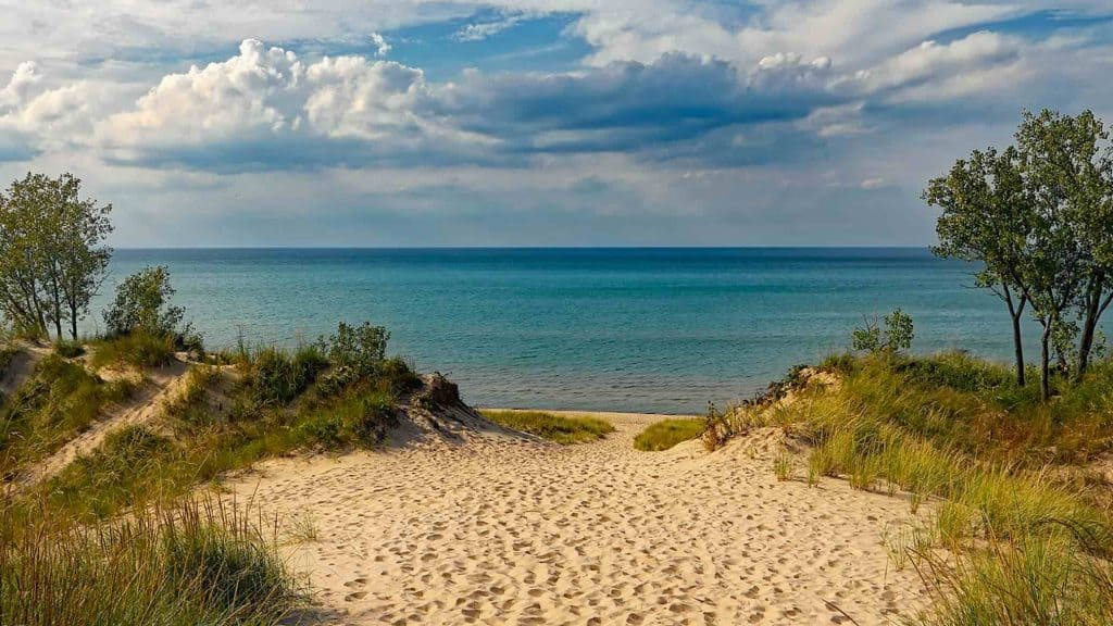 10 ideas for a romantic weekend getaway in michigan from for Where to go for a romantic weekend
