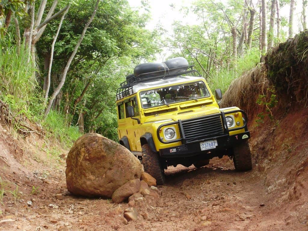 Truck Camping - Land Rover Defender