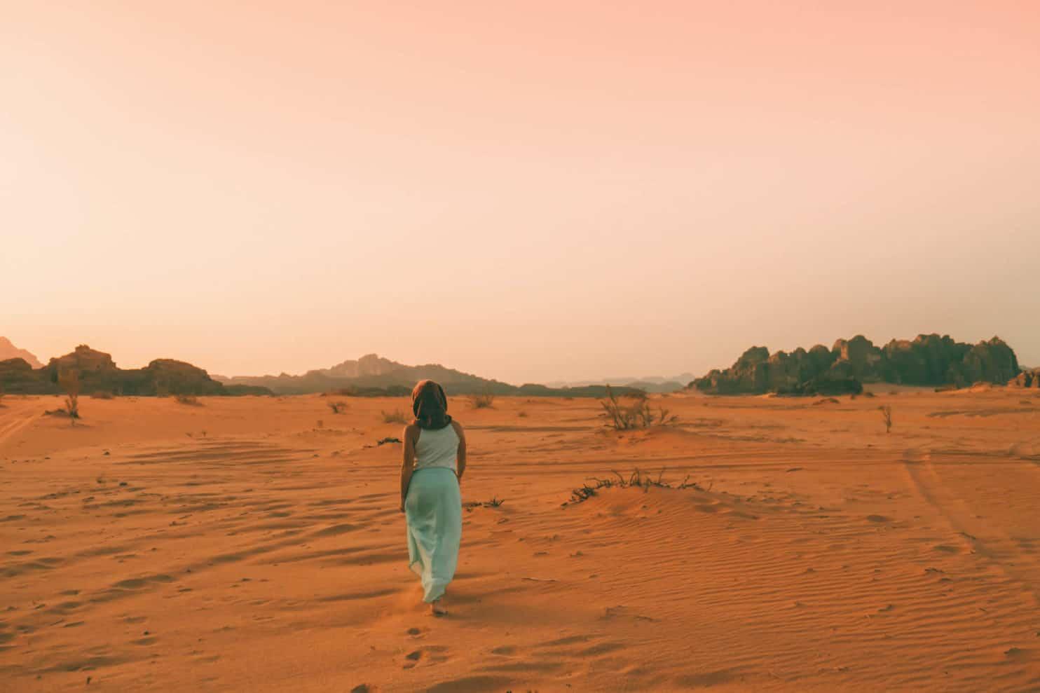 travel jordan - desert wadi rum walk