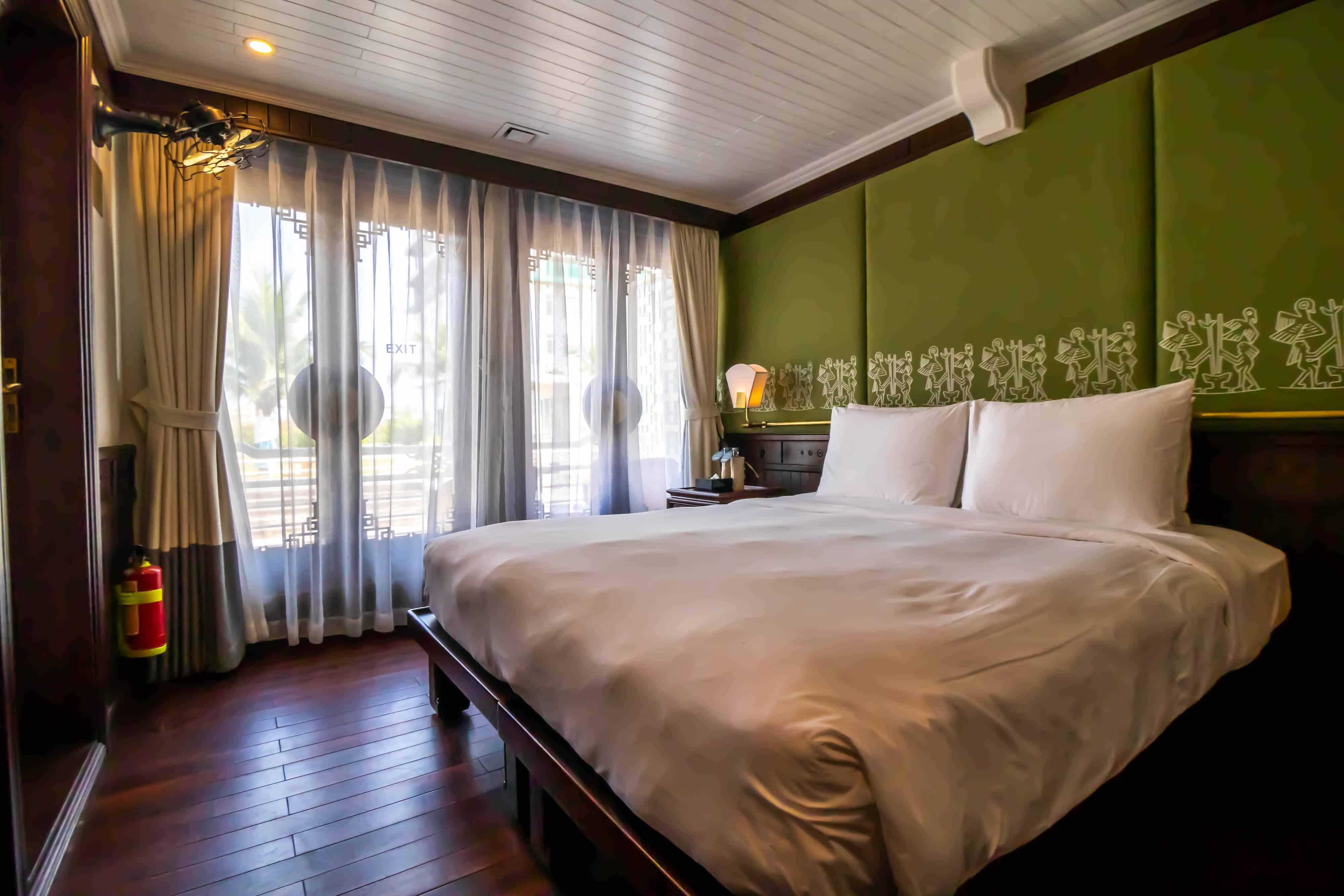Halong Bay Cruise18
