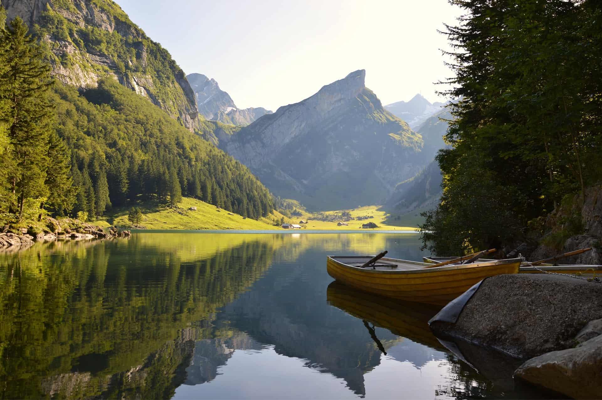 Hiking in Switzerland -  Edelweissweg