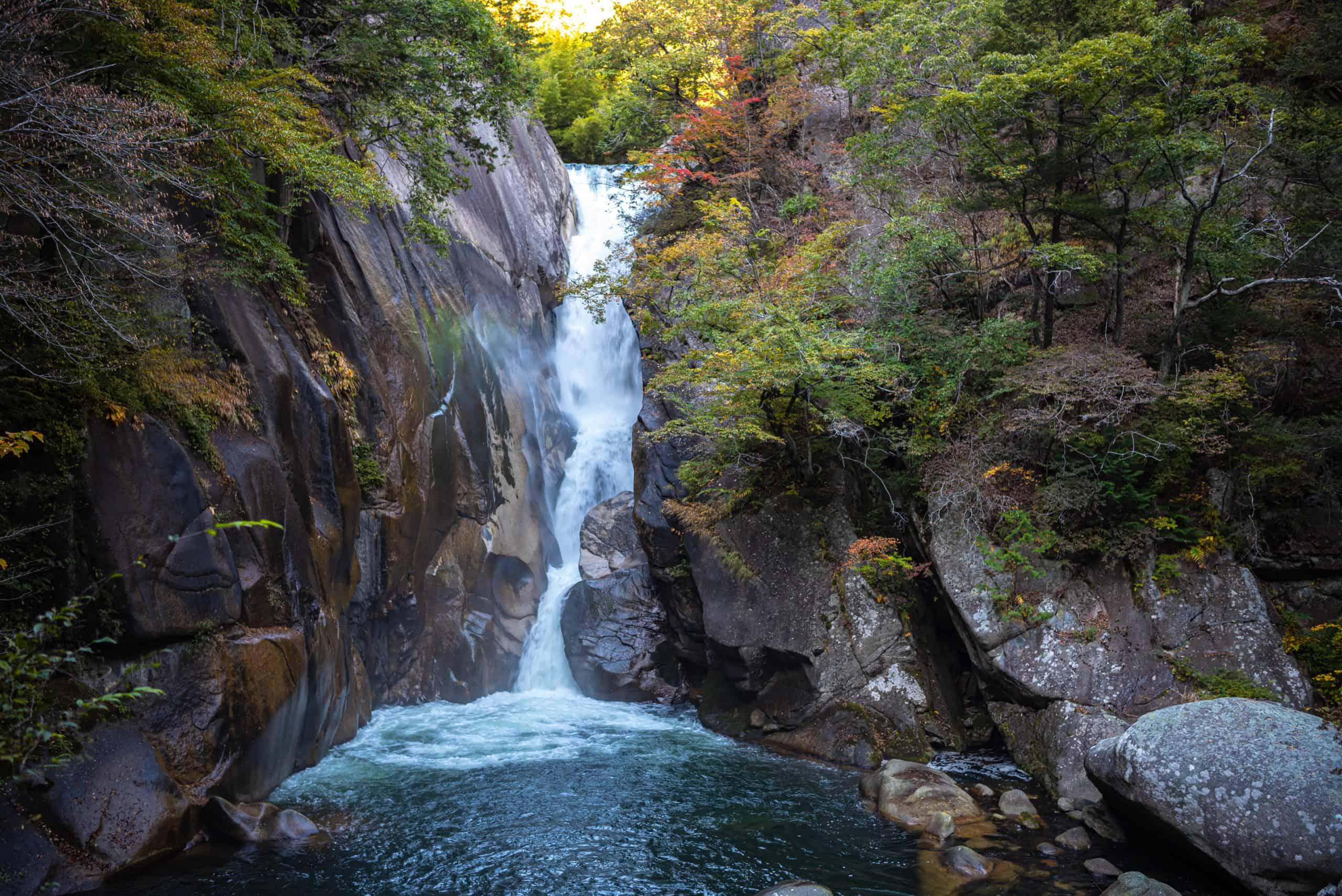 Senga Falls - Best waterfalls in Japan