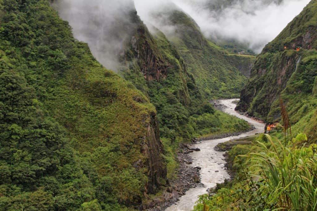 hiking in ecuador