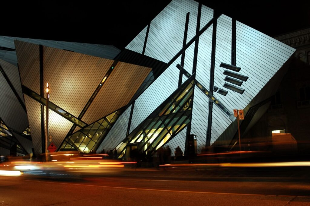 The exterior of the Royal Ontario Museum at night