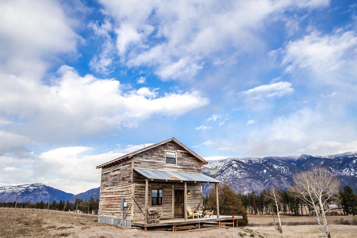 Historic Cabin Near Glacier National Park