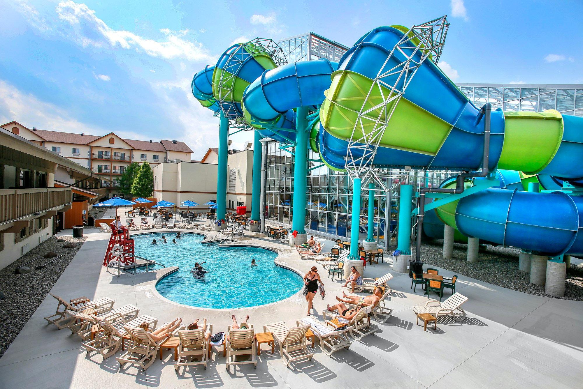 Zehnder's Splash Village Hotel And Waterpark Outdoor Pool